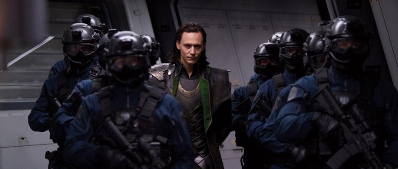 La série Loki sera centrée sur ses voyages à travers le temps pour influencer les grands évènements de l'Histoire