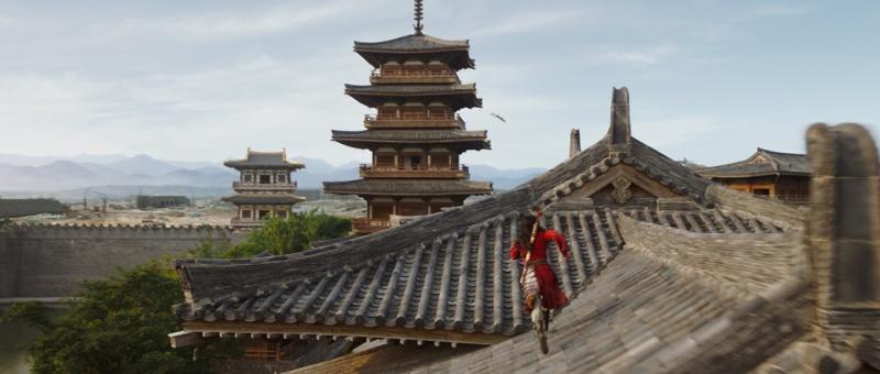 Beaucoup de critiques sur Mulan font éloge de la splendeur de ses décors et de ses chorégraphies