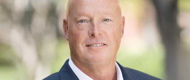 Bob Chapek, nouveau PDG de The Walt Disney Company après Bob Iger, était jadis à la direction des parcs à thème pour le groupe